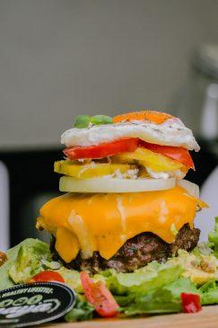 Yanaya's Bunless Burger (Pic By Derrick Manieca)